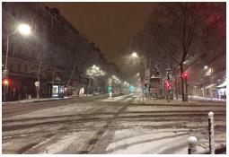 Le mardi 6 février 2018 au soir, la neige tient facilement dans le Centre de Paris