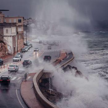 Tempête Bella : vents violents, forte houle et neige abondante entre dimanche et lundi