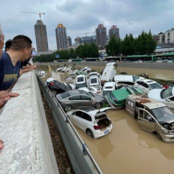 Pluies diluviennes historiques et inondations meurtrières à Zhengzhou en Chine