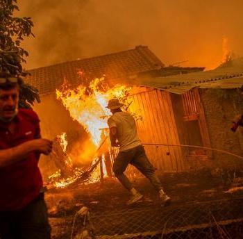 Incendies et chaleur sur le Sud de l'Europe, tornades en Russie et aux Etats-Unis, l'actualité météo dans le monde ce 09 août 2021