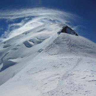 L'altitude du Mont Blanc dépend du vent et des précipitations