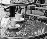 La réouverture des cafés et restaurants face au retour des orages