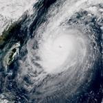 Typhon Chaba sur Okinawa puis l'ensemble du Japon