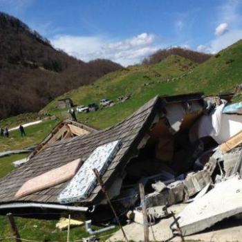 Avalanche dans les Pyrénées : cabanes détruites - catastrophe naturelle