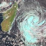 Cyclone Berguitta entre Maurice et La Réunion