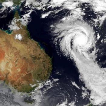 Cyclone Ola près de la Nouvelle Calédonie