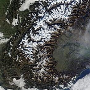 L'enneigement très déficitaire en montagne vu par satellite
