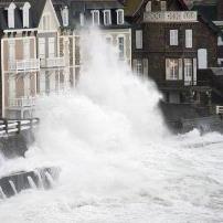 BILAN - Dépression Doris : vent, vagues & submersions sur le Nord-Ouest