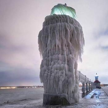 Le froid paralyse le nord des Etats-Unis