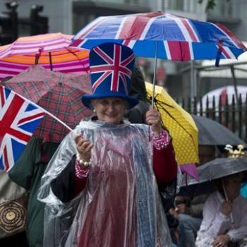 Le Jubilé de la reine fut très frais et pluvieux à Londres !