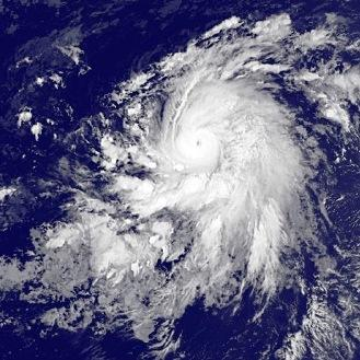 Tempête, typhon et ouragan Koppu, Champi et Olaf sur le Pacifique