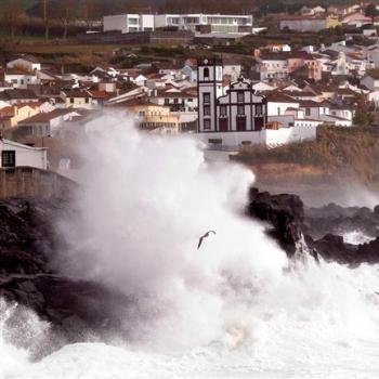 Une tempête aux Açores