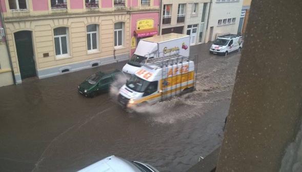Image d'illustration pour Pluie abondante et fraîcheur sur le Nord-Ouest de la France