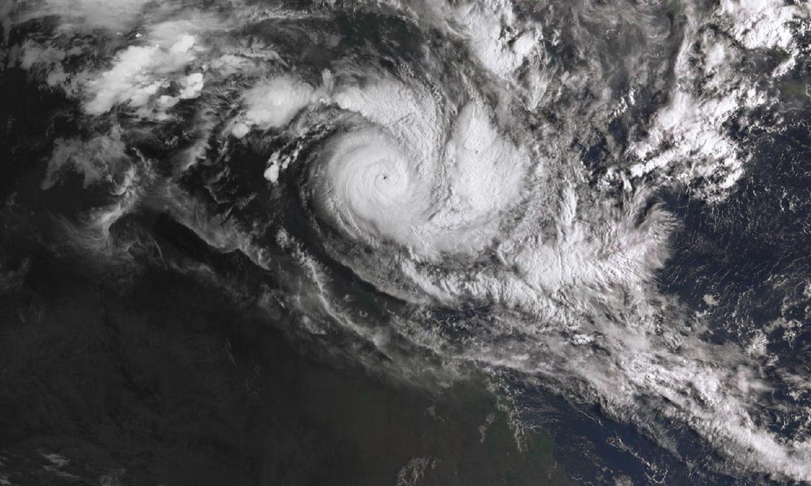 Image d'illustration pour Cyclones Trevor et Veronica - suivi et prévision