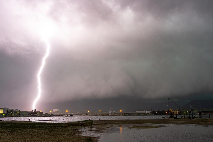 Image d'illustration pour Episodes pluvieux et orageux dans le Sud : suivi et prévisions
