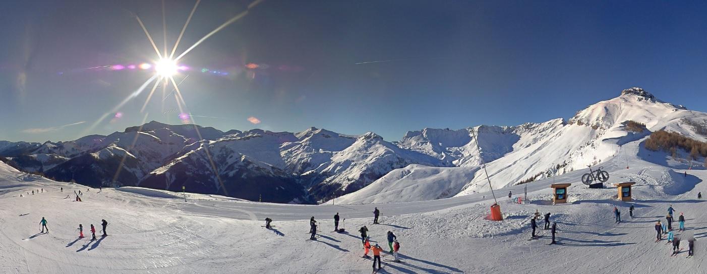 Image d'illustration pour Enneigement en montagne : bilan très contrasté pour Noël et prévisions