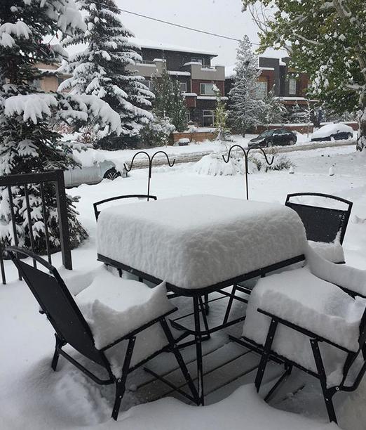 Image d'illustration pour Hiver précoce : l'ouest du Canada croule sous la neige