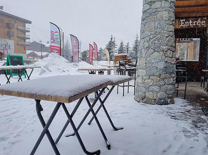 3397f73b8 Chutes de neige à Val d Isère (Savoie - 1800m) - vendredi 1er mars 2019 -  Instagram