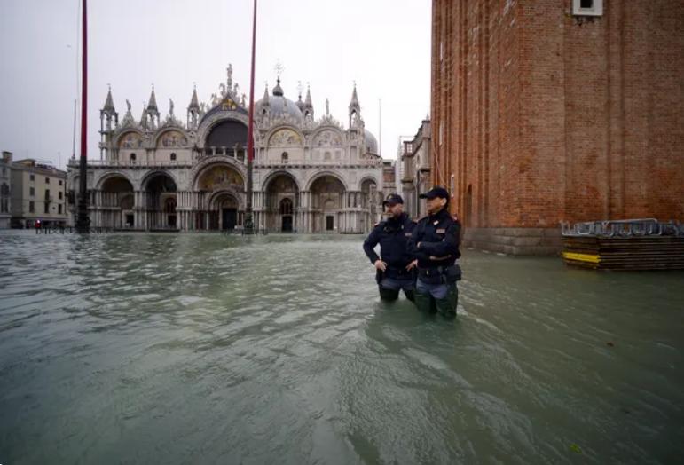 Image d'illustration pour Acqua Alta historique : Venise sous les eaux