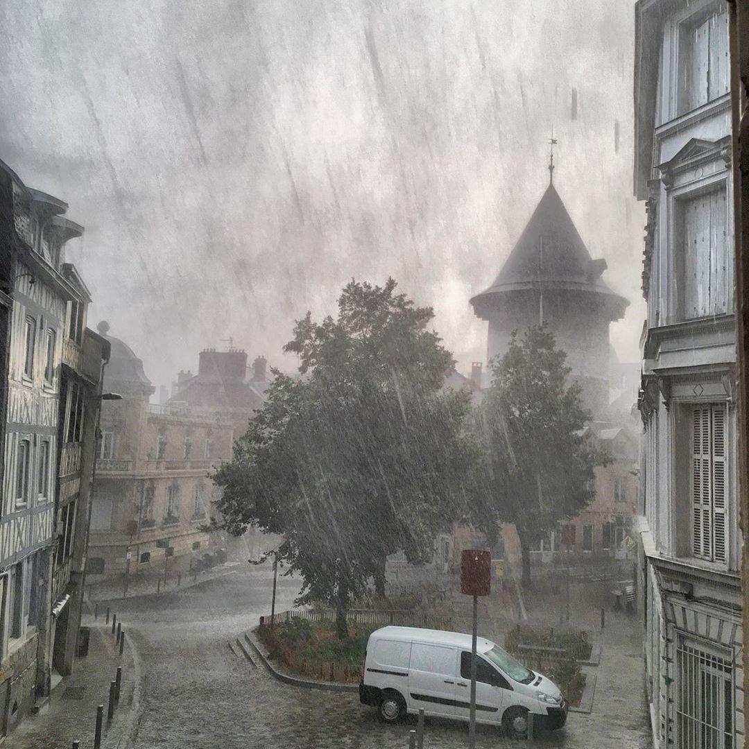 Image d'illustration pour De nombreux orages mettent fin à la canicule