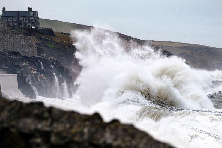 Image d'illustration pour Tempête Brendan : vents violents et forte houle sur les Îles Britanniques