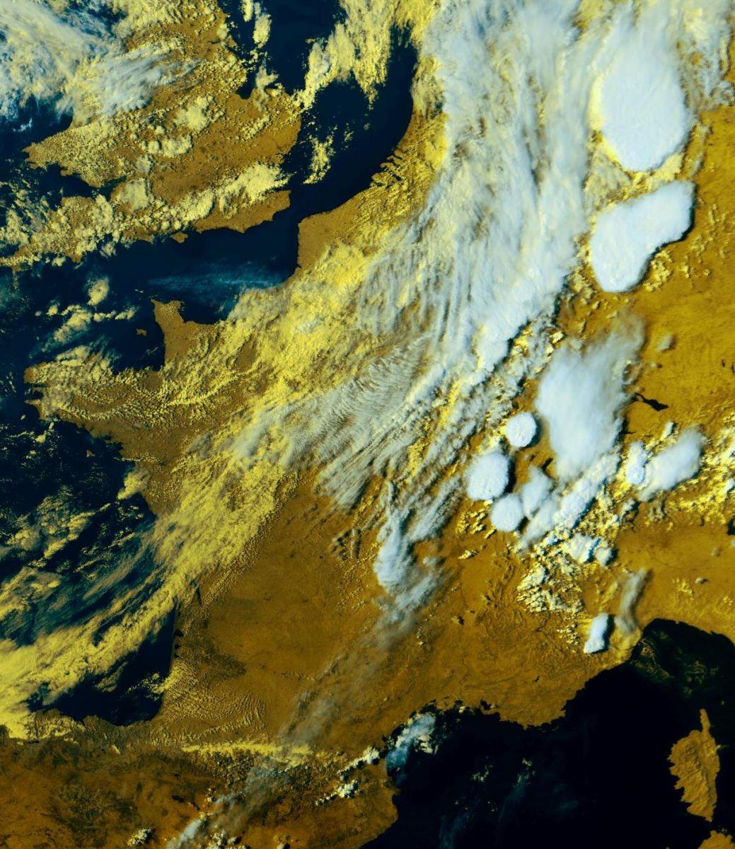 Image d'illustration pour Grêle, vent et foudre : violents orages après la canicule sur l'Est