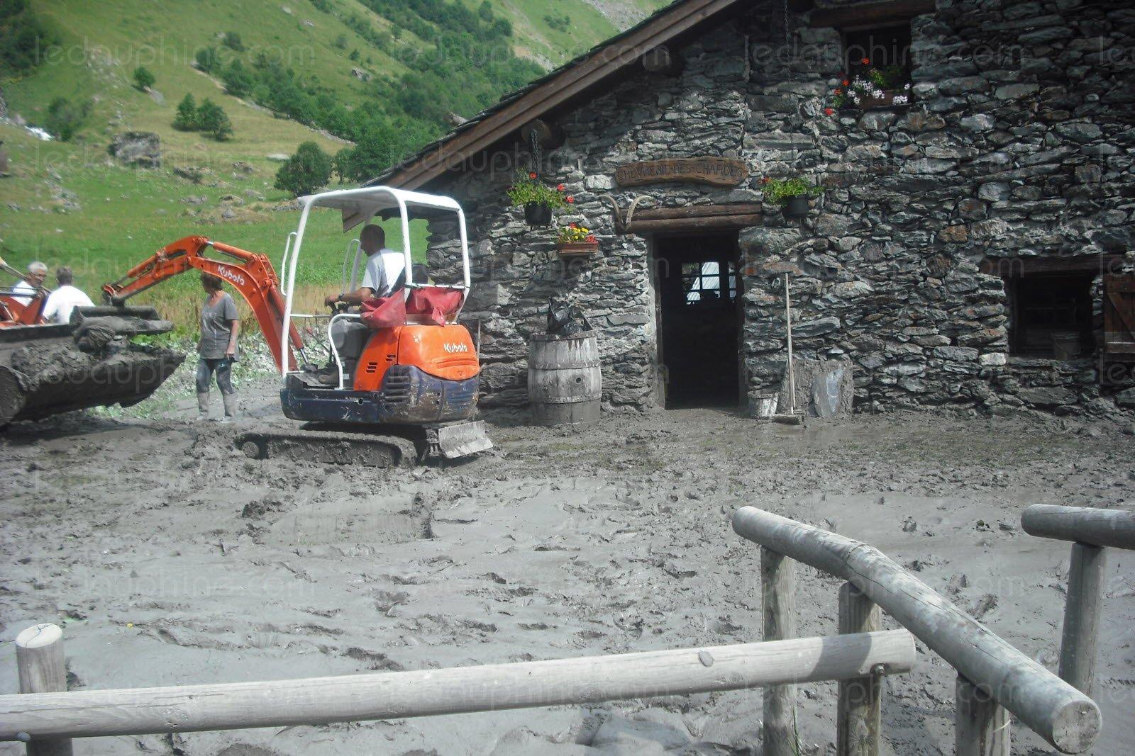 Image d'illustration pour Chaleur sur les Alpes : éboulement, chutes de séracs et crues