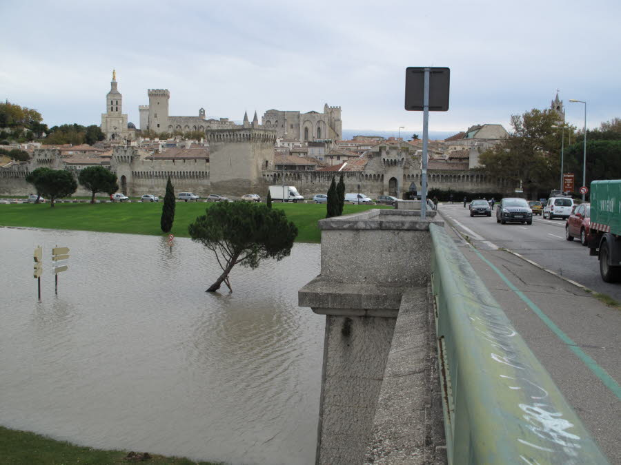 Image d'illustration pour Crue du Rhône la plus importante depuis 2003