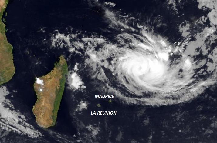 Image d'illustration pour Le cyclone Joalane devrait éviter La Réunion mais menace Rodrigues