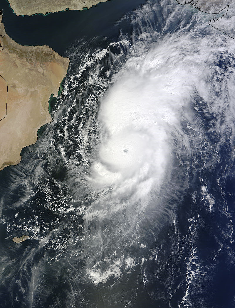 Image d'illustration pour Cyclone Nilofar sur la Mer d'Arabie (Inde - Pakistan)