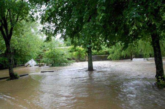 Image d'illustration pour Sud Ouest : Pluies records & crues - Quelques inondations