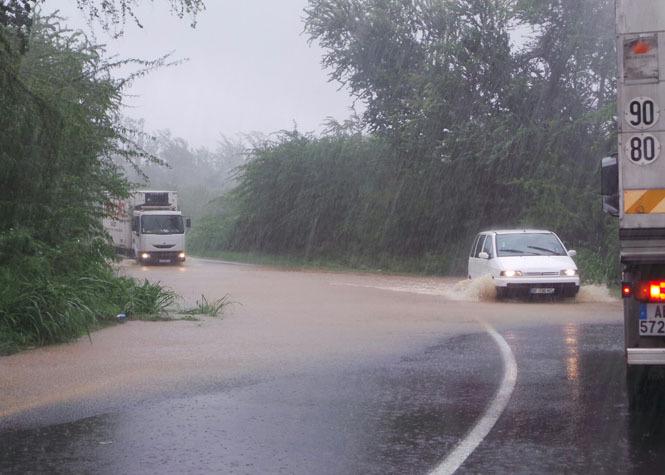 Image d'illustration pour Forte pluie pour le réveillon sur La Réunion