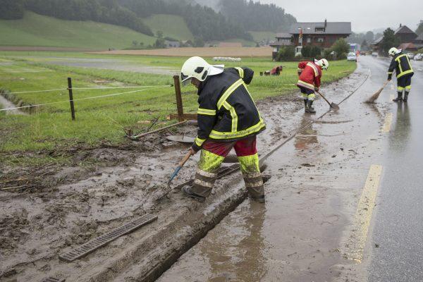Image d'illustration pour Fortes pluies sur le Centre Est - inondations et coulés de boue en Suisse
