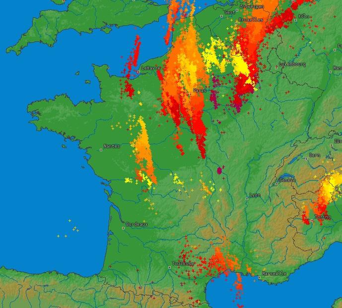 Image d'illustration pour Forts orages - Charente - Vienne - Ile de France - Picardie - Belgique