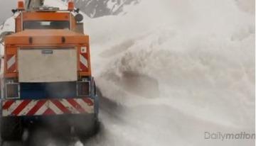 Image d'illustration pour La neige risque de perturber le Giro