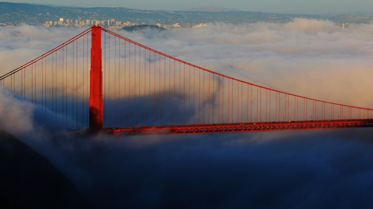 Image d'illustration pour Le Golden Gate Bridge de San Francisco... dans le brouillard