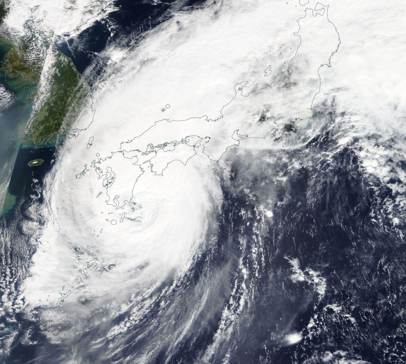 Image d'illustration pour Typhon Trami : le Japon à nouveau touché