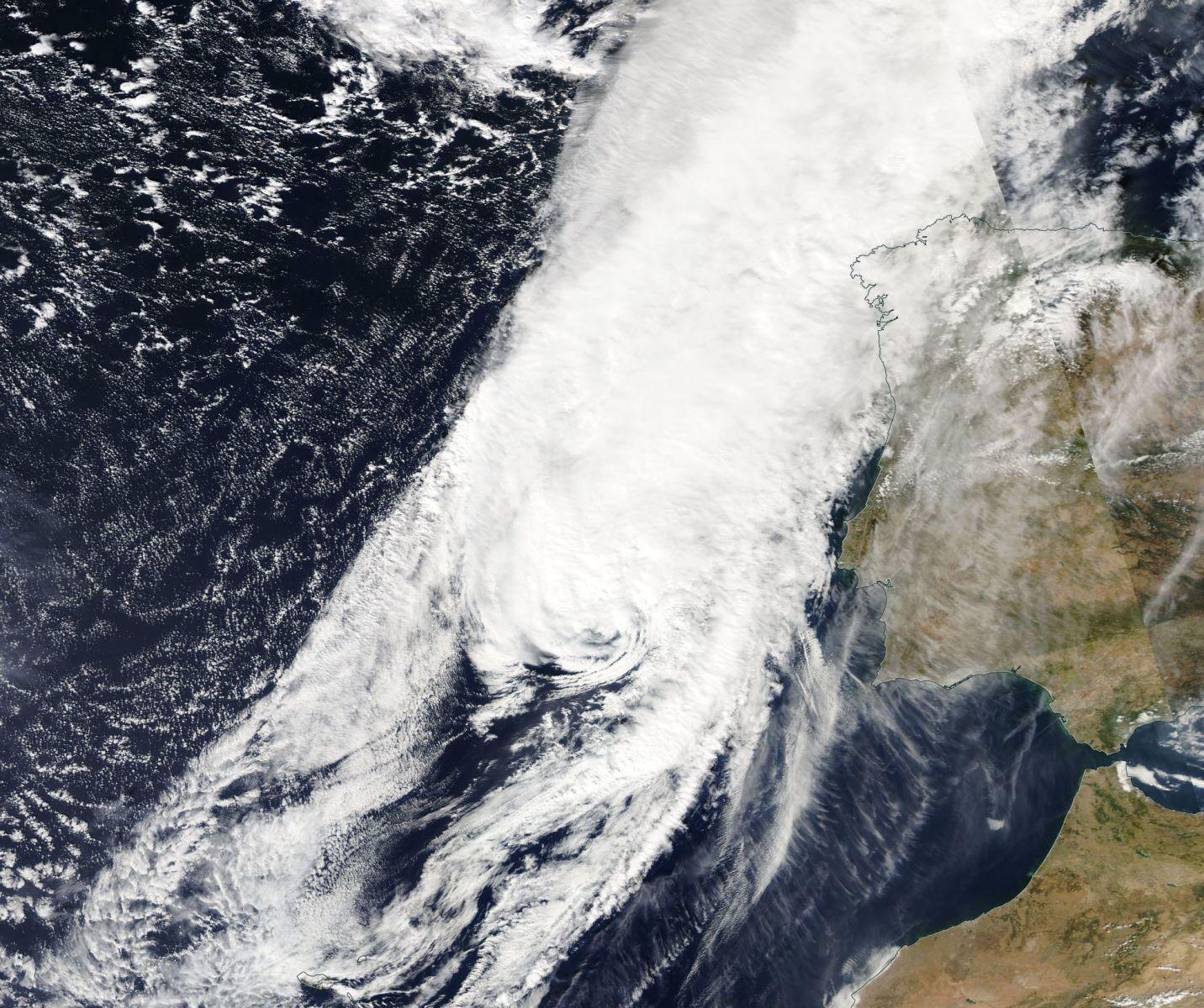 Image d'illustration pour Le cyclone Leslie aux portes de l'Europe