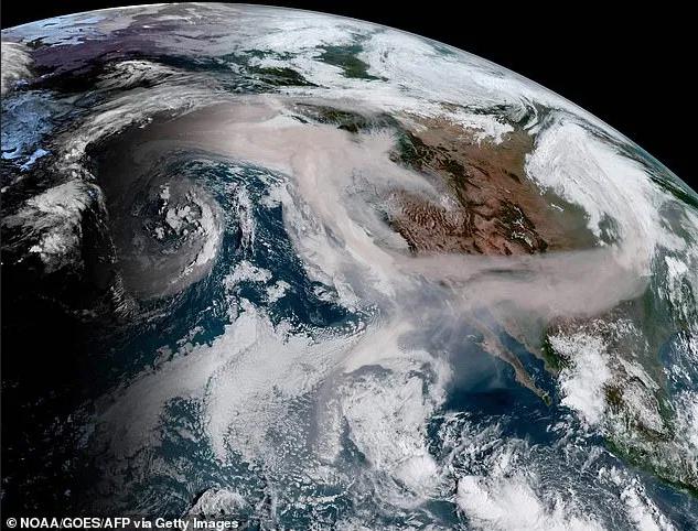Image d'illustration pour Violents incendies en Californie - quelles conséquences pour le climat?