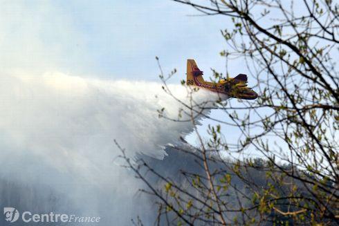 Image d'illustration pour Quelques incendies de forêt sous l'effet du soleil et de la chaleur