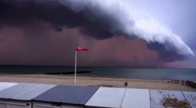 Image d'illustration pour Un orage impressionnant en Belgique (Knokke - Le Zoute)