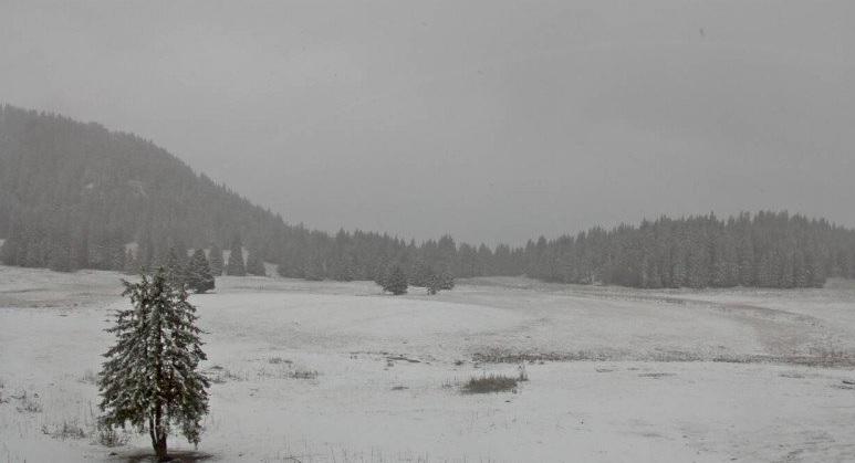 Image d'illustration pour Coup de froid et première neige en moyenne montagne