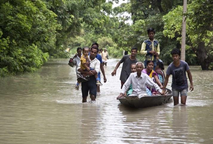23 morts et 64 blessés dans un accident de train — Inde