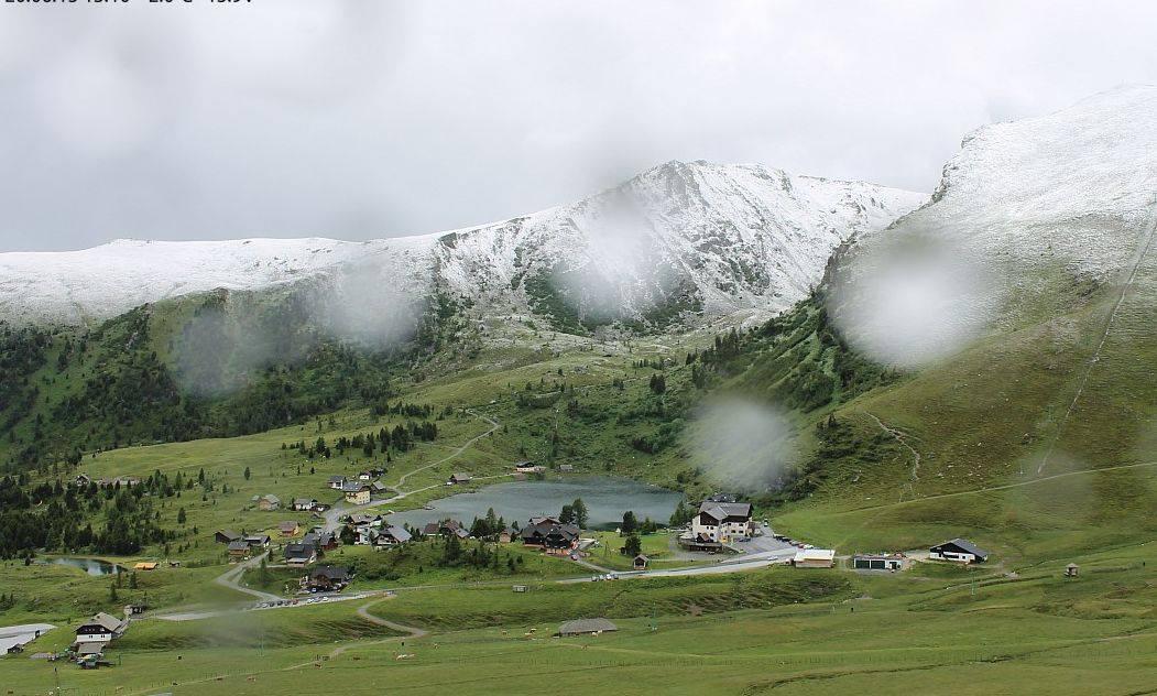 Image d'illustration pour L'été débute avec de la neige sur les Alpes