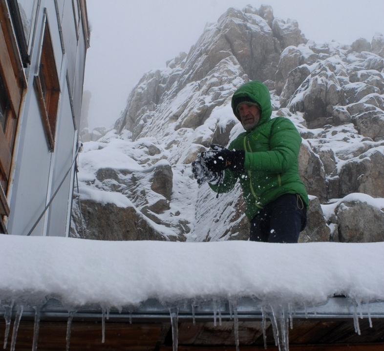 Image d'illustration pour Neige en haute montagne sur les Alpes