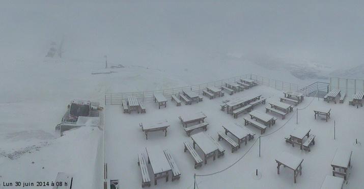 Image d'illustration pour Neige en haute montagne sur les Alpes et les Pyrénées