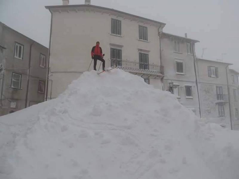 Image d'illustration pour Chute de neige remarquable à Capracotta en Italie