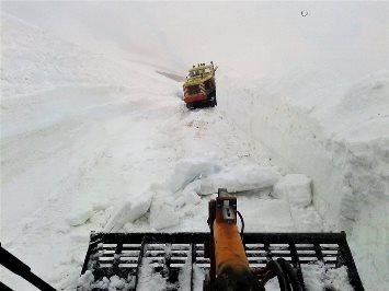 Image d'illustration pour Déneigement des cols laborieux après un hiver remarquable