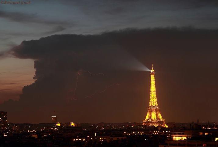 Image d'illustration pour Pluie, grêle et foudre : des orages isolés mais parfois forts