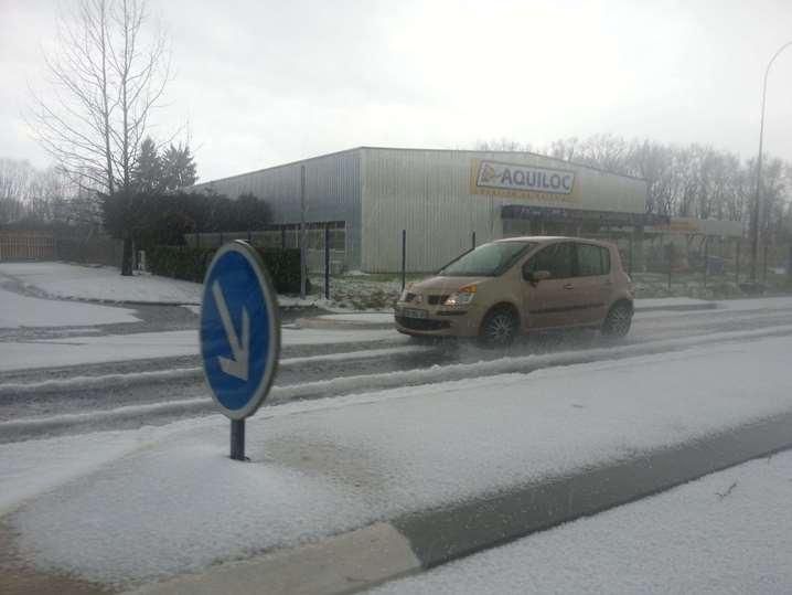 Image d'illustration pour La saison des orages débute - Grêle à Pau